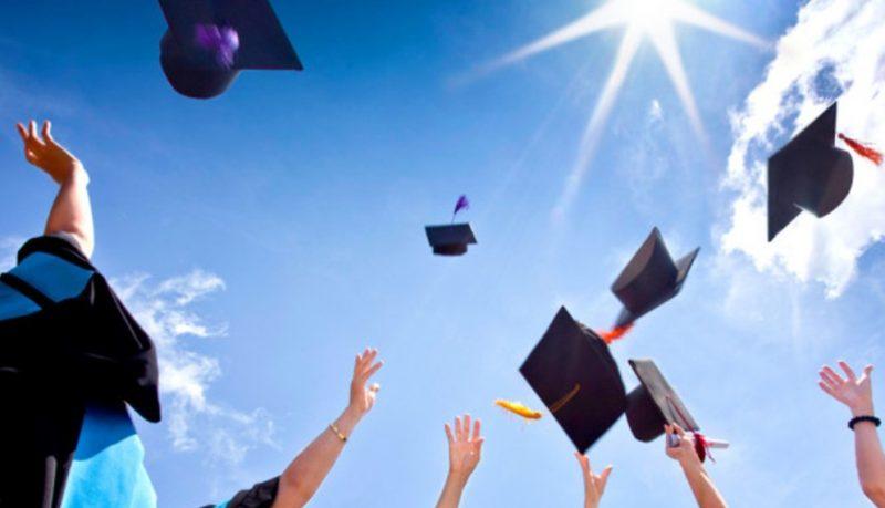Frasi di congratulazioni e auguri per la laurea 6b4096ab6aa1