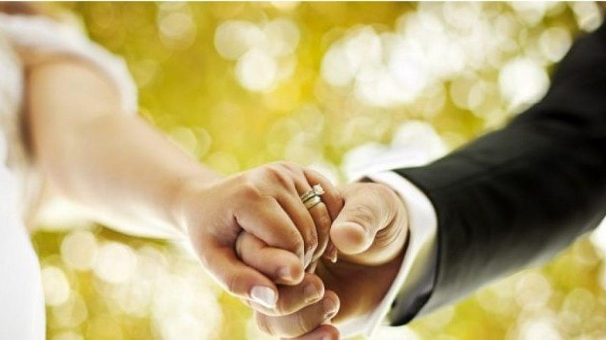 Frasi Anniversario Matrimonio 7 Anni.Anniversario Di Matrimonio Le Frasi Belle Per Festeggiare