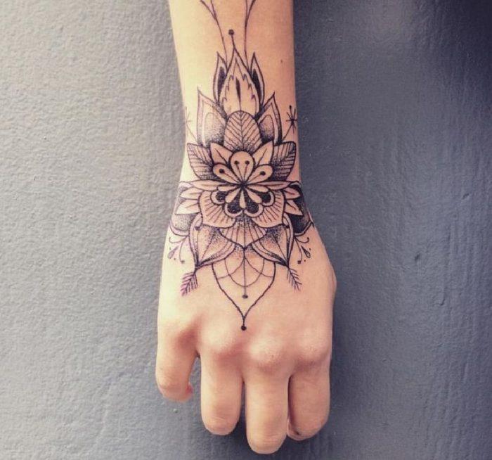 corona tatuaggio