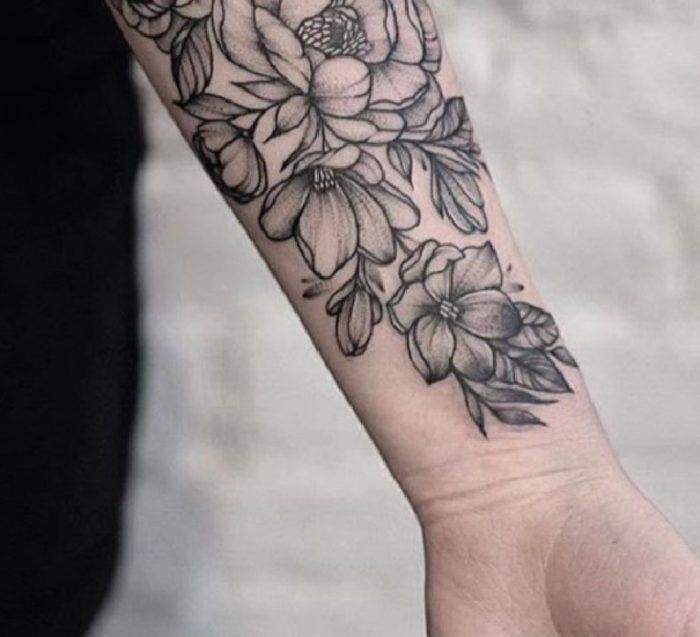 tatoo braccio fiori