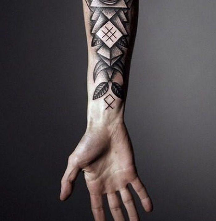 tatuaggi avambraccio uomo