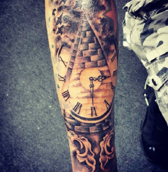 tatuaggi sul braccio tempo